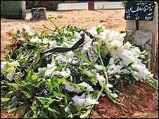 تایمز: مردگان در تهران رژیم بی رحم را فریاد می زنند