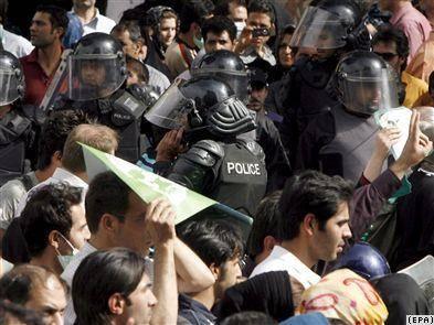 مسعود شجره: تظاهرات یک چیز است، خرابکاری چیز دیگر