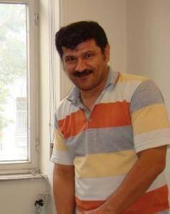 بهمن احمدی امویی همچنان از حق ملاقات محروم است