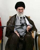 رهبر انقلاب: تیر دشمن به سمت خودش کمانه کرد