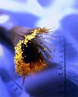 عضو هیئت مدیریه شرکت ارتباطات زیرساخت کشور: ظرفیت فیبر نوری کشور سه برابر می شود.