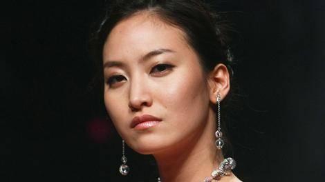 دختر مدل کره ای، خود را در پاریس دار زد + عکس