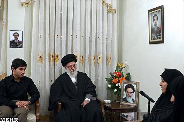 عکس خبری/ دیدار رهبر معظم انقلاب با خانواده شهید علی محمدی و شهریاری