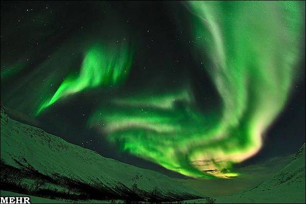 تصاویری از اولین نمایش شفقهای قطبی در آسمان سال 2011