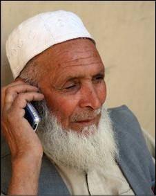 بسته شدن شبکه تلفن همراه هلمند در پی تهدید طالبان