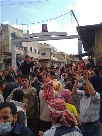 6 کشته در حمله پلیس سوریه به مردم متحصن در مسجد العمری