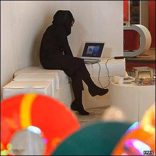 دولت ایران 'اینترنت حلال' راه اندازی می کند