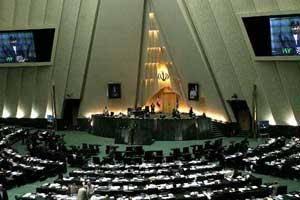 ارایه لیست ۱۳ نفره به احمدینژاد برای مذاکره با اصولگرایان