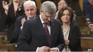 حزب حاکم کانادا به سوی پیروزی در انتخابات پیش می رود