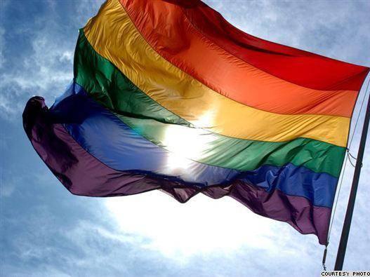 مبارزه با همجنسگرا هراسی در یک کشور «هموفوب»