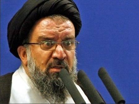 آخوند احمد خاتمی : زنان از سخنان عشوه گرانه در مقابل نامحرم پرهیز کنند/ در هیچ کشور دنیا مردمسالاری همانند ایران پیدا نمیشود