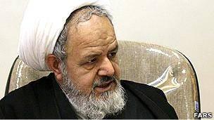 انتقاد از برخورد احمدینژاد با 'سرمایه های نظام'