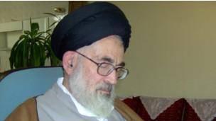آیت الله دستغیب از 'سکوت مراجع و مجلس خبرگان' انتقاد کرد