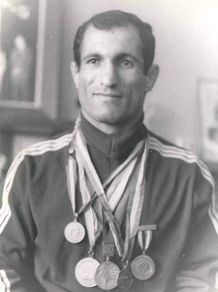 پرافتخارترین کشتیگیر ایران / عکس