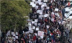 """استعفای دولت """"عصام شرف"""" انقلابیون را راضی نکرد؛ مردم مصر امروز هم به خیابانها میآیند"""