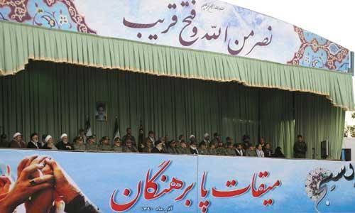 انقلاب اسلامی باایستادگی، بقا و صداقت، به ملتها الهام بخشی کرد/ بسیج حرکتی مردمی، برای مردم و از خود مردم است