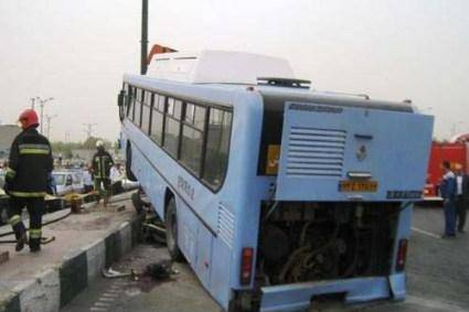 برخورد اتوبوس با تابلوی تبلیغاتی یک کشته و 7 مصدوم بر جای گذاشت