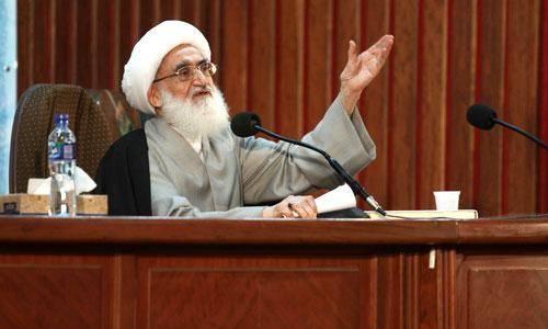 آیت الله نوری همدانی: دانشگاه آزاد اسلامی باید در دنیا الگو باشد