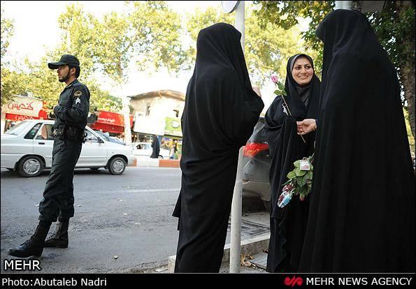 گزارش تصویری/ اجرای طرح تجلیل از بانوان با حجاب
