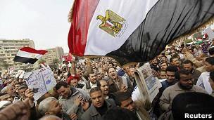 همهپرسی قانون اساسی مصر در حال برگزاری است