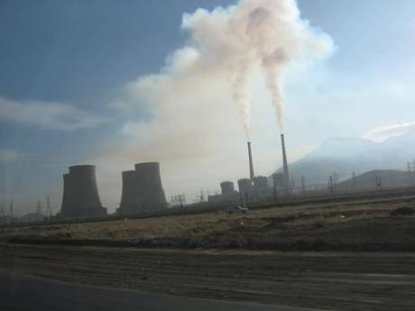 آلودگیهای ناشی از فعالیت نیروگاه شازند در اراک ۳۰۰ نفر را به سرطان مبتلا کرده است