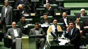 افشاگری احمدینژاد علیه برادران لاریجانی در صحن علنی مجلس
