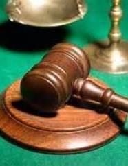 قاضی آمریکایی به دلیل زنگ موبایل خودش را جریمه کرد