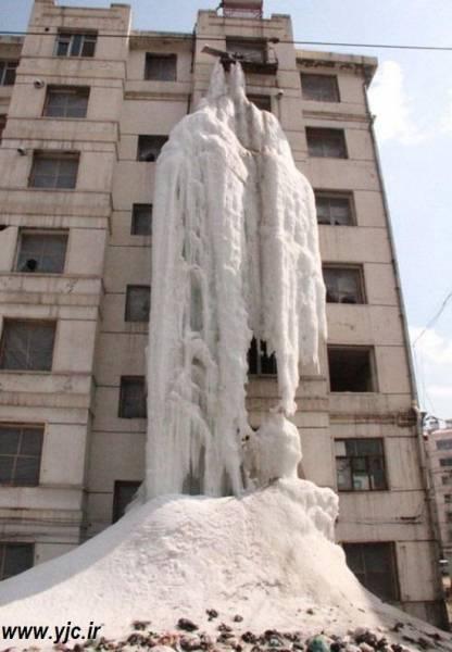 عجیب ترین آبشار یخی دنیا (+عکس)