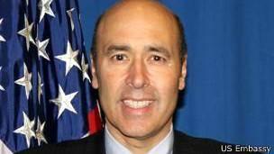 دیپلمات آمریکایی سخنان کرزی در مورد پایگاه نظامی را رد کرد