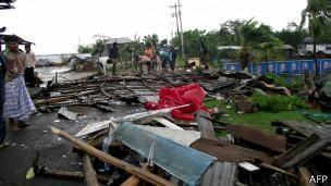 گردباد ماهاسن جنوب بنگلادش را درهم کوبید