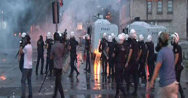 آخرین وضعیت درگیری ها در استانبول(+عکس)