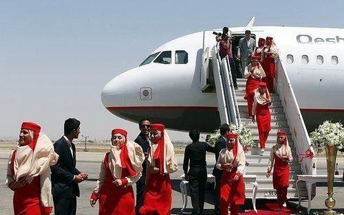 خانم های مهماندار هواپیمایی پرسپولیس/عکس