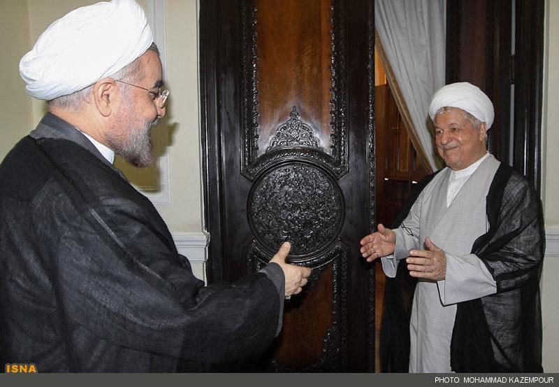 استقبال هاشمی از روحانی در مجمع تشخیص (عکس)