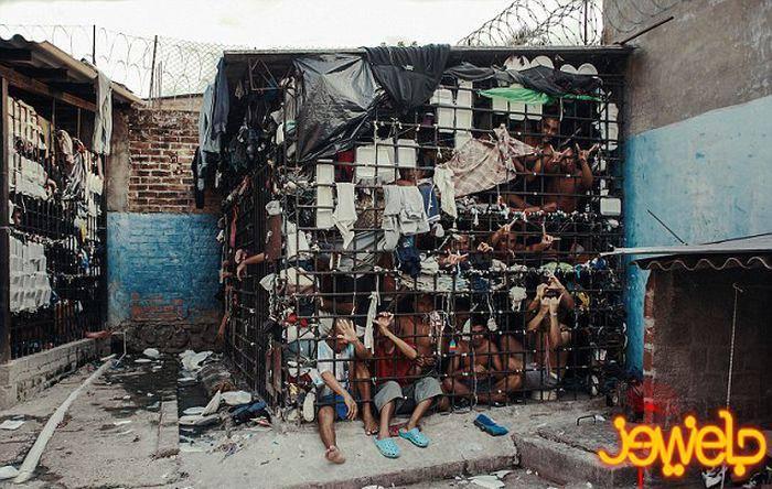 زندانی مخوف در السالوادور (عکس)