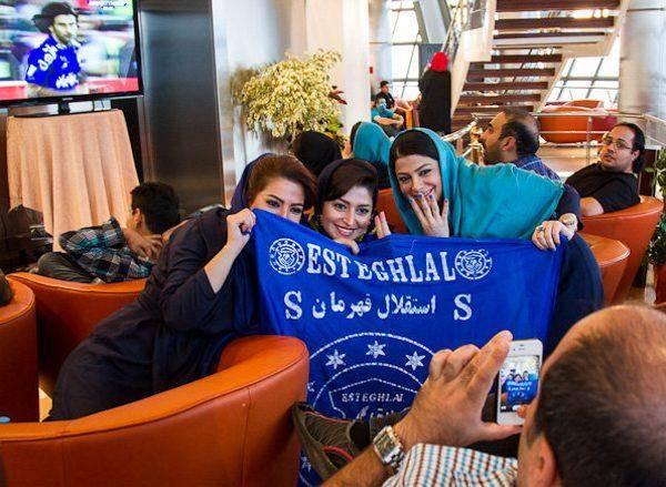 حاشیه های دیدار استقلال و پرسپولیس (گزارش تصویری)