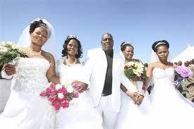 18:59 - یک مرد و 4 عروس خوشحال