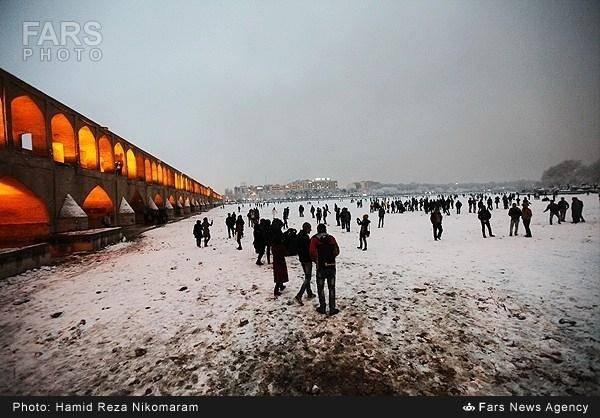 بارش برف در اصفهان/عکس