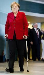 خانم صدر اعظم عصا به دست شد!/ عکس