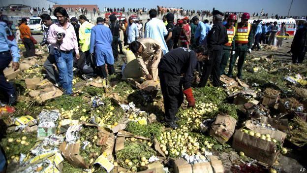 انفجار در بازار محلی حومه پایتخت پاکستان ۲۰ کشته و ۱۰۰ مجروح داشتانفجار بمب در یک ترن مسافربری پاکستان<dc:title />