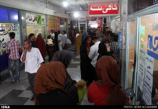 بازار داغ کافی نت ها در اولین روز ثبت نام یارانه - بندرعباس (عکس)