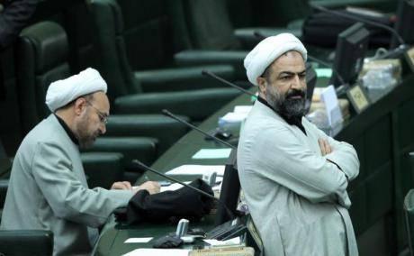 گریه حسن روحانی به خاطر وضعیت بد کشور