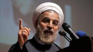 انتقاد حسن روحانی از 'تخریب دولت با هزینه بیتالمال'