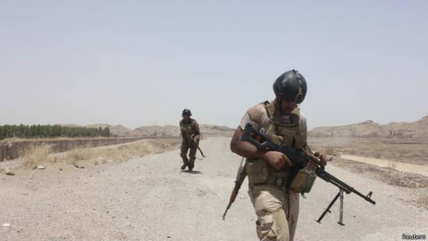افراد مسلح دهها نفر را در مسجدی در عراق کشتند