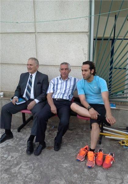 علی کریمی با راهآهن تمرین کرد/عکس