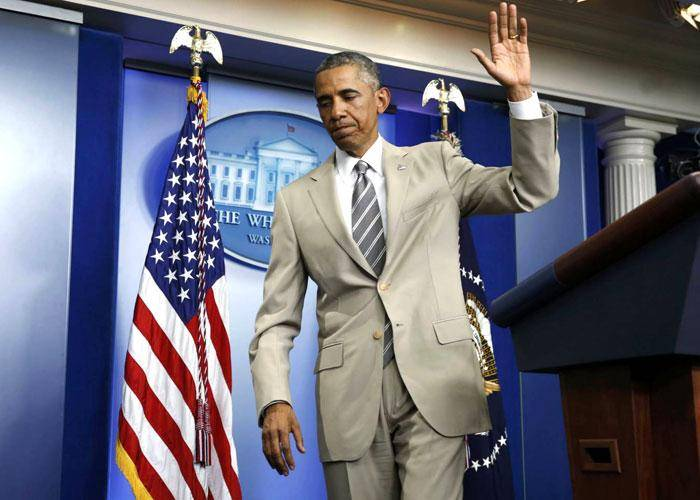جنجال کت و شلوار سفید رنگ اوباما: این لباس را از کجا پیدا کردی؟
