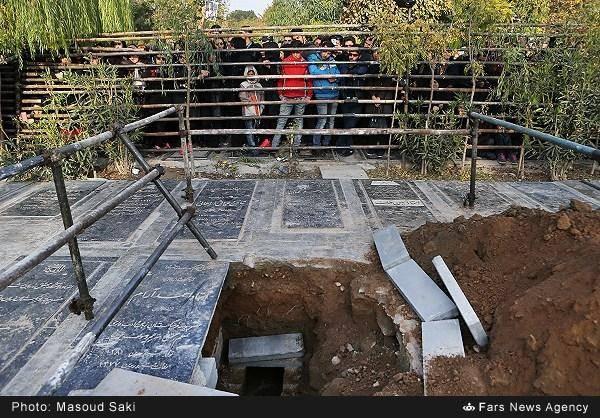 پاشایی کنارچه کسی دفن میشود؟/عکس
