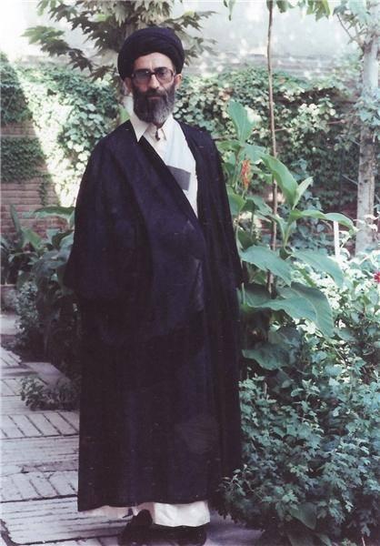 تصویر دیدهنشده از رهبر انقلاب/عکس