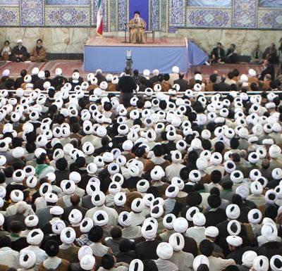 """۹۰ درصد طلاب و روحانيون ايران شاغل نيستند"""