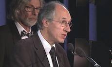 جایزه «پن» آمریکا در میان تدابیر شدید امنیتی به «شارلی ابدو» اهدا شد