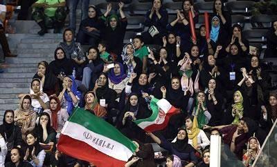 """""""مجوز ورود زنان به سالنهای ورزشی امضا شد"""""""